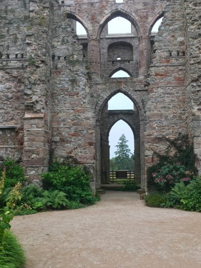 Two castles: two gardens: